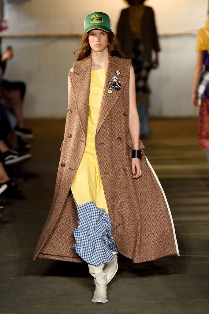 пальто миди коричневое без рукава