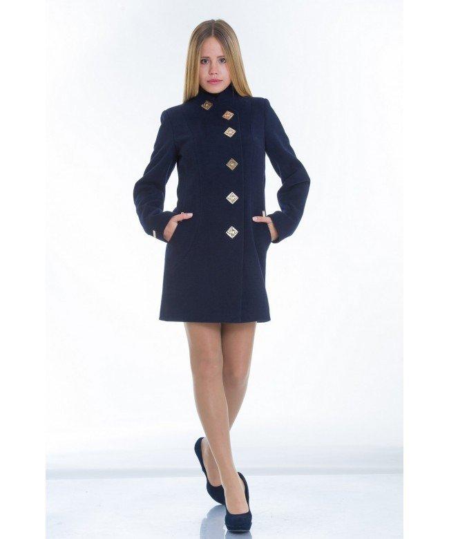 пальто синее прямое с красивой застежкой