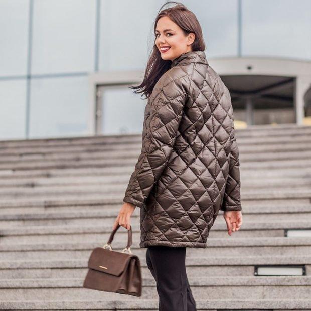 стеганное пальто коричневое