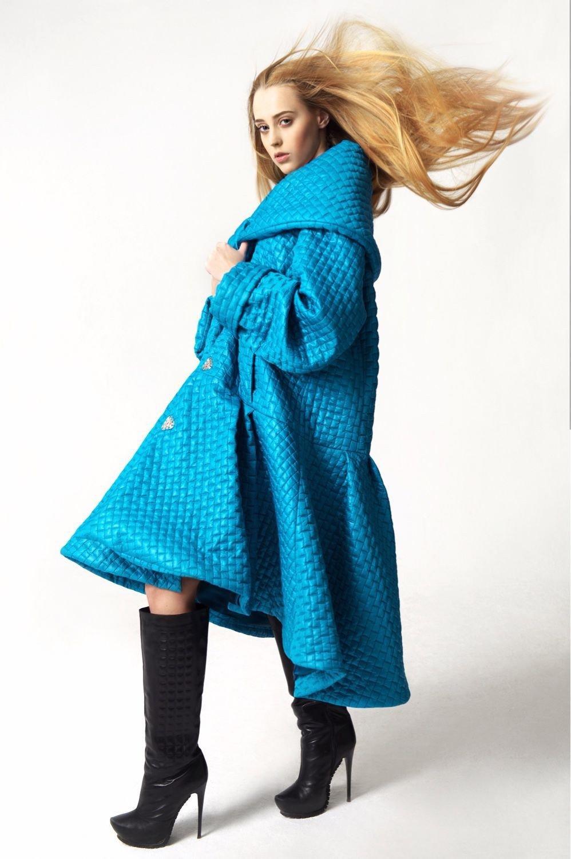 стеганное пальто синее оверсайз