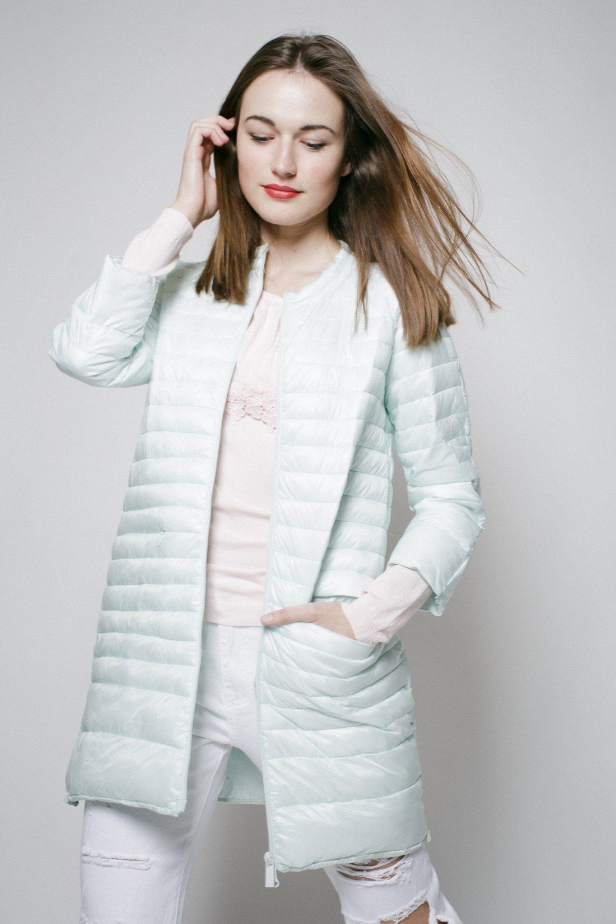 стеганное пальто белое