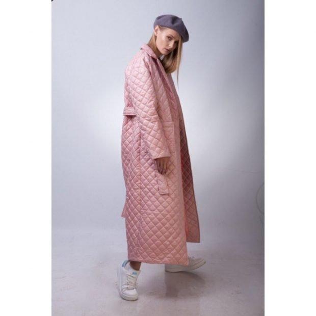 стеганное пальто розовое длина макси
