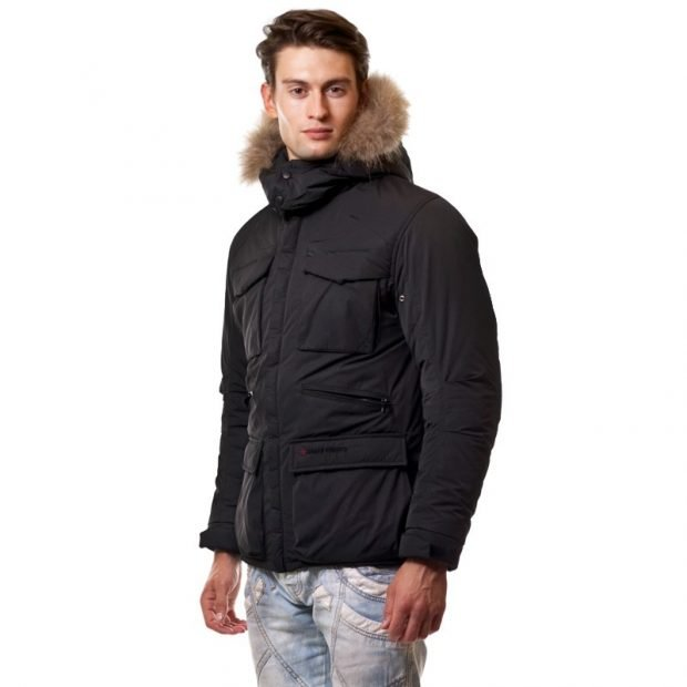 утепленная куртка черная с капюшоном