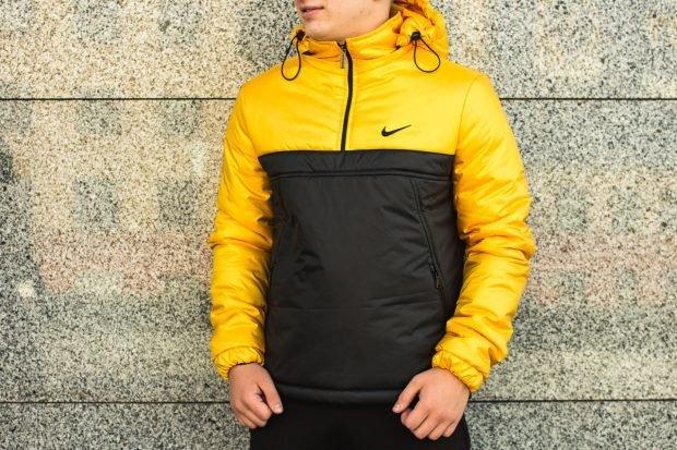 утепленная куртка желтая с черным