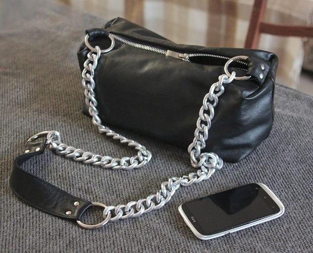 сумка черная с цепочкой
