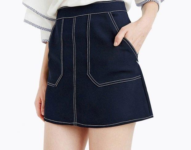 модные юбки весна-лето 2019: джинсовая короткая темно-синяя с карманами