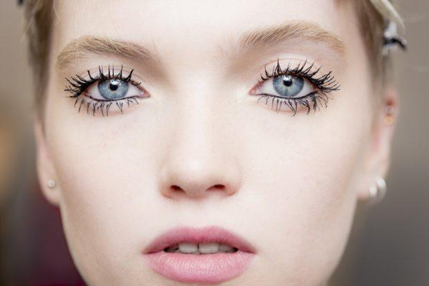 Модный макияж весна лето: натуральный с акцентом на ресницы