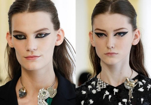 макияж на весну лето: массивные черные стрелки по нижнему веку
