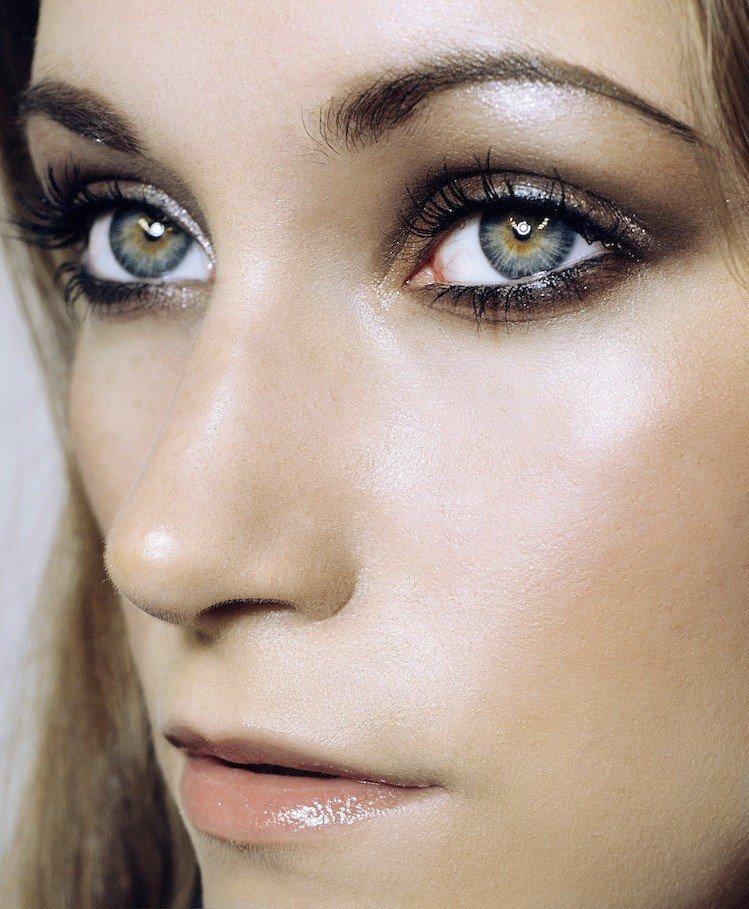 макияж с влажными губами натуральный цвет