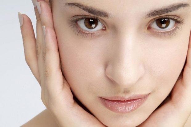 макияж с влажными губами