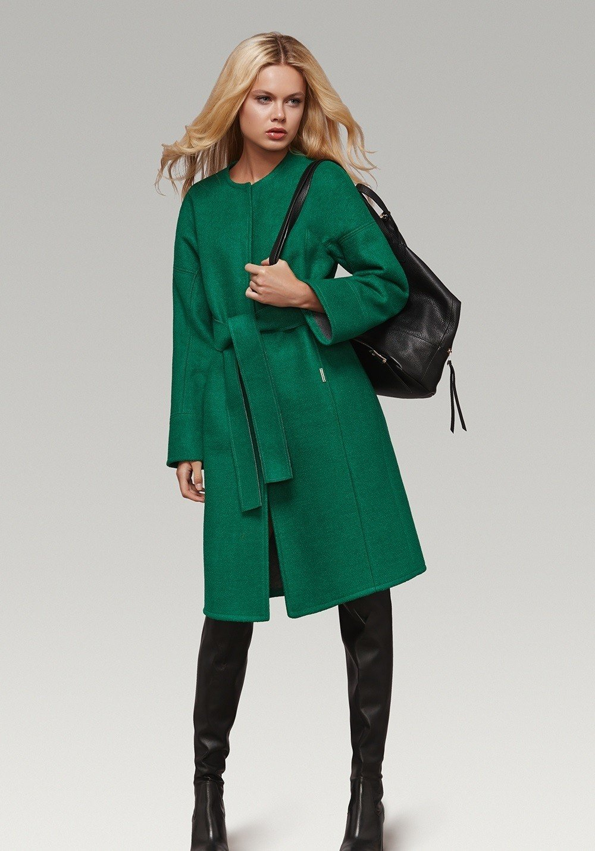 зеленое пальто под пояс