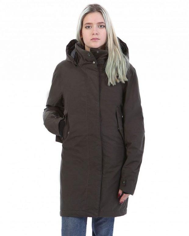 демисезонная куртка темная удлиненная