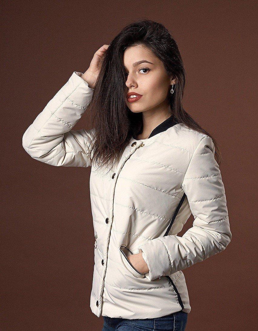 молодежная куртка белая короткая