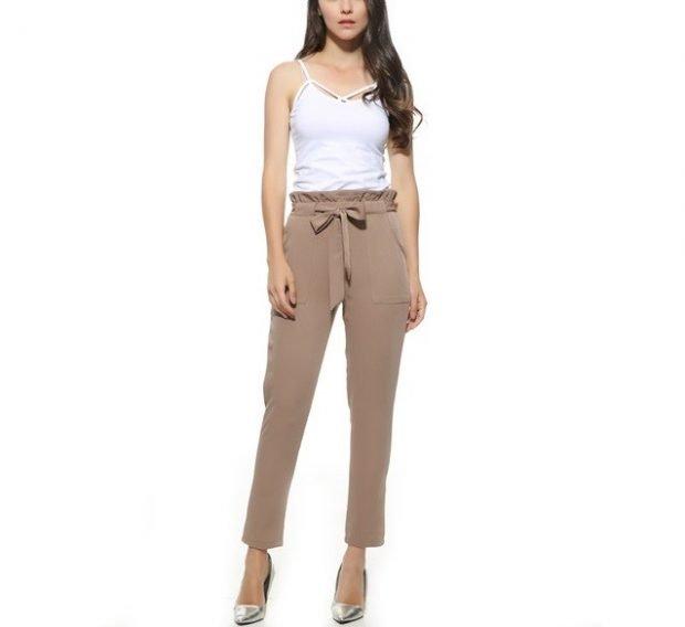 Модные женские брюки лето 2020: светло-коричневые высокая талия с бантом короткие