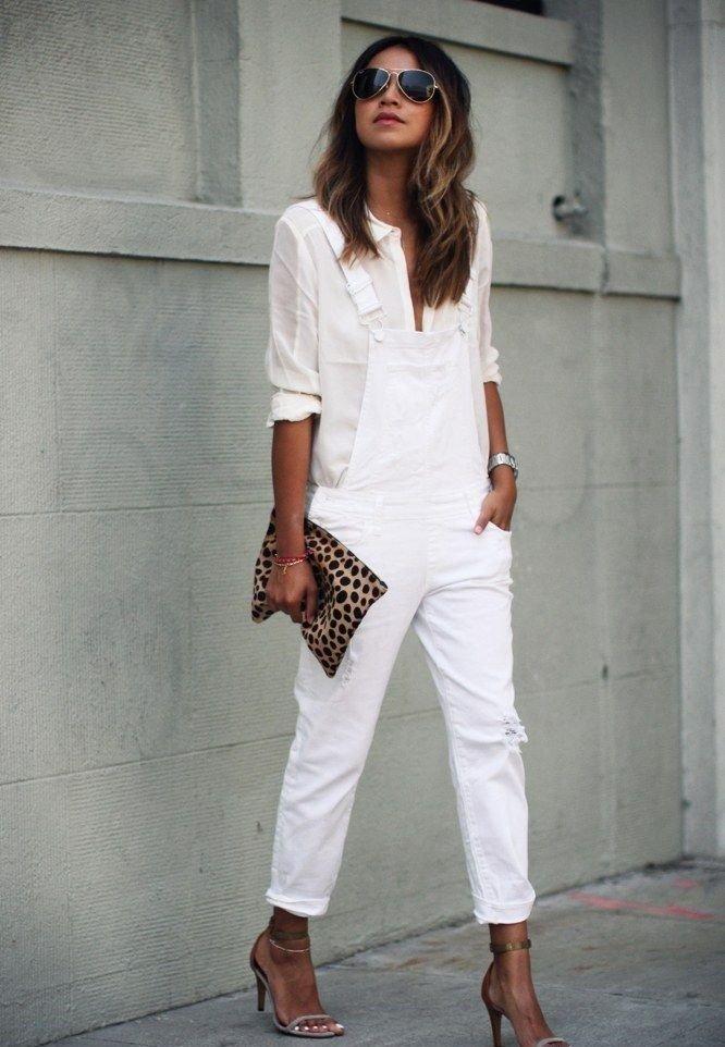 Модные женские брюки весна 2020: белые короткие