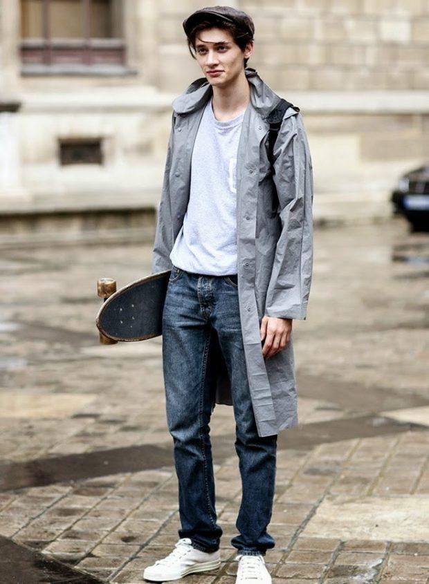 мужская мода 2021 весна лето: серые джинсы под плащ серый