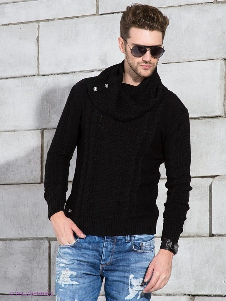 мужская мода весна лето 2018 основные тенденции: джинсы голубые под свитер черный