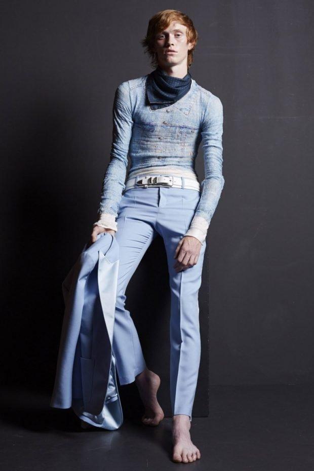 мужская мода 2019 весна лето: голубые брюки со стрелками кофта в тон