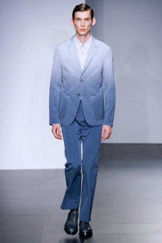 мужская мода 2018 весна лето: синие брюки пиджак с переходом омбре
