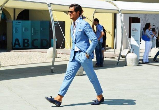 тенденции в мужской моде весна: голубой брючный костюм