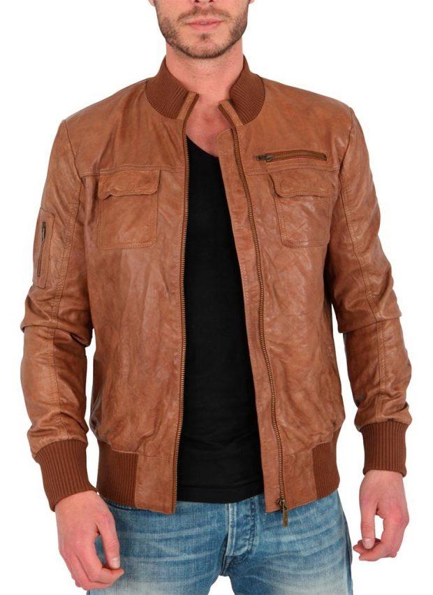 тенденции мужской моды весна лето 2020: кожаная светло-коричневая куртка