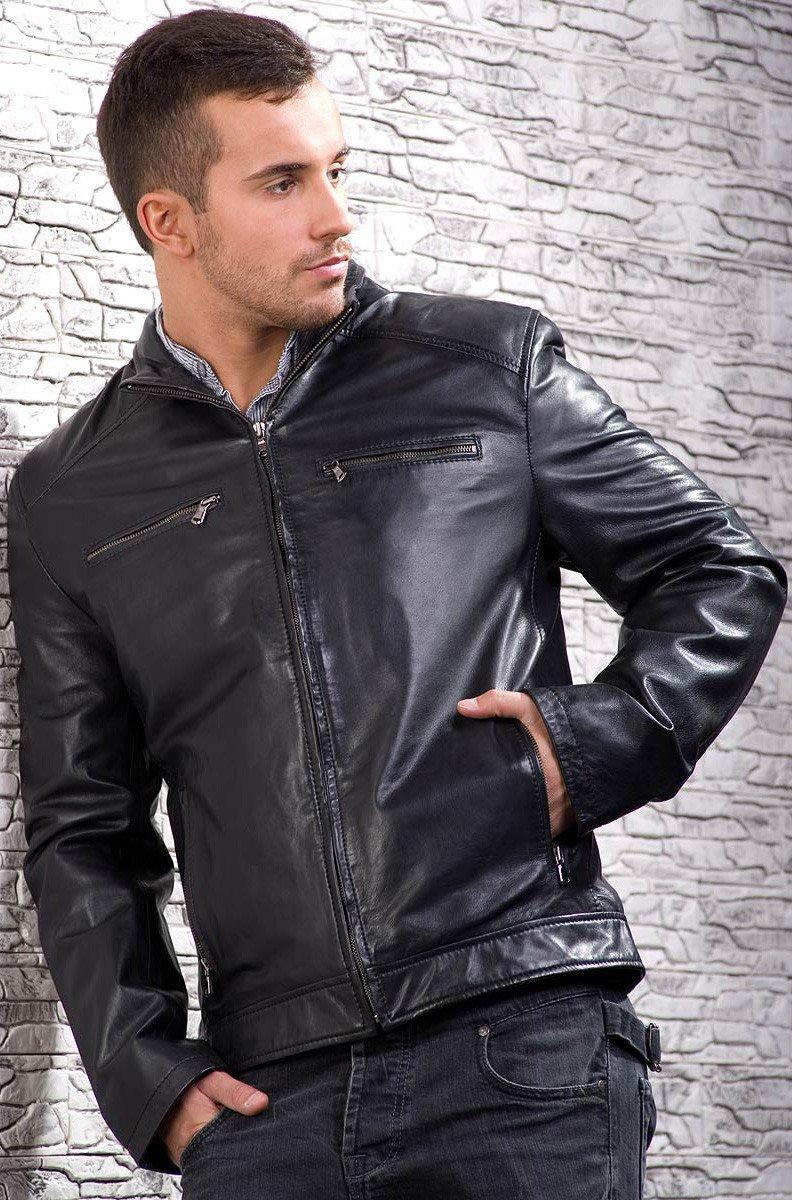 тенденции мужской моды весна лето 2018: классическая черная кожаная куртка