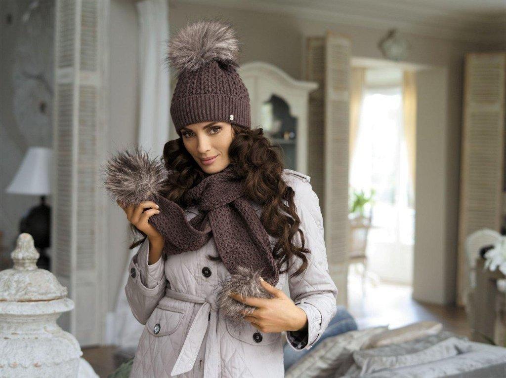 покажем, говорится вязаная шапка под зимнее пальто фото все