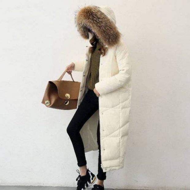 белый под лосины черные и кроссовки