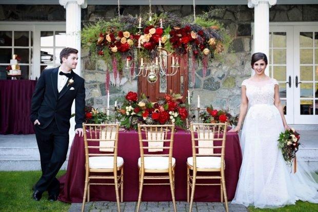 Свадьба в цвете марсала: декор