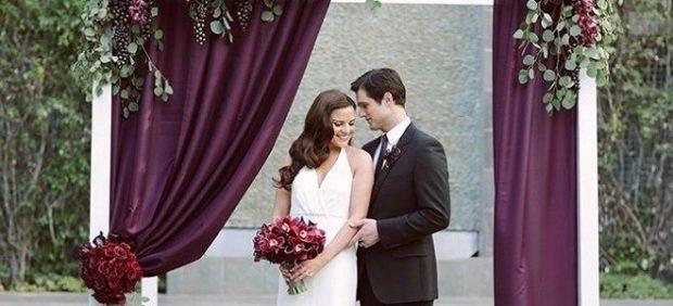 Свадьба в цвете марсала: арка