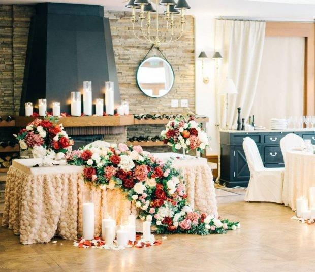 оформление свадьбы в цвете марсала и айвори