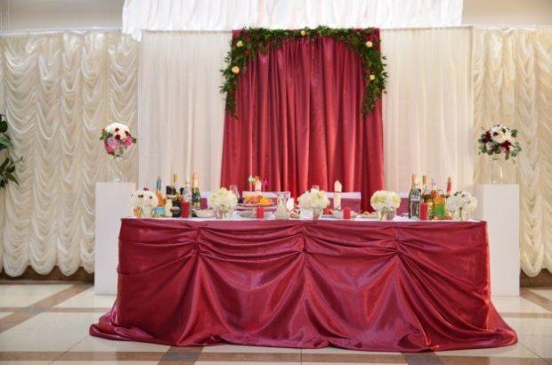 украшение зала цвет айвори и марсала