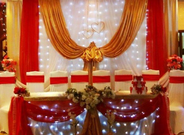 украшение зала цвет марсала и золото