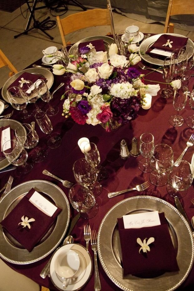 оформление свадебного стола цвет марсала и золота