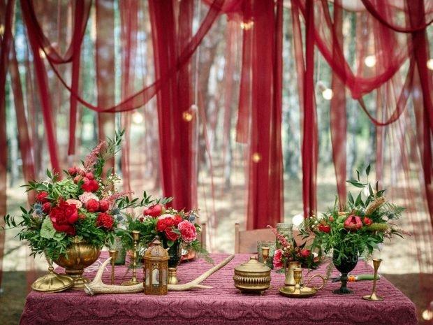 украшение свадьбы цвет марсала