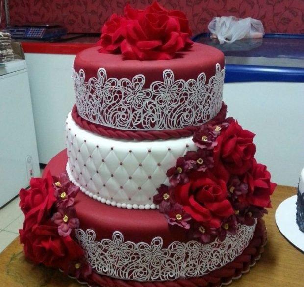 торт цвет марсала с белым
