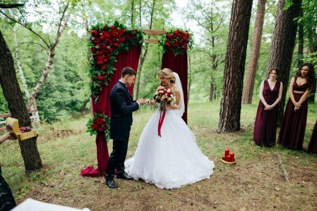 свадебная арка цвет марсала
