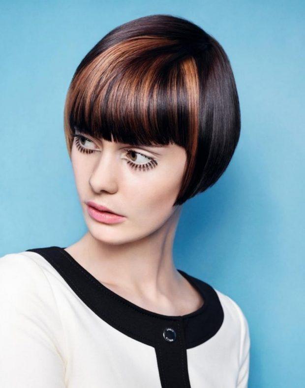 тренды 2019 2020 волосы: короткое ровное каре с челкой