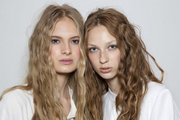 волосы тренд 2019 2020: натуральные светло-русые