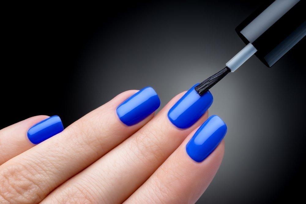 Маникюр синего цвета