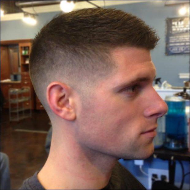 полубокс ,коротко подстриженные бока